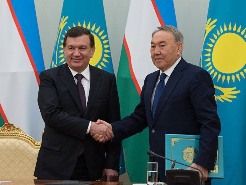 Нурсултан Назарбаев поздравил с днем рождения президента Узбекистана