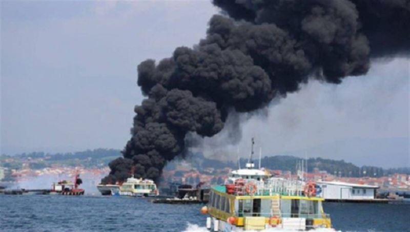 В Испании вспыхнул катамаран, на борту которого было 48 пассажиров