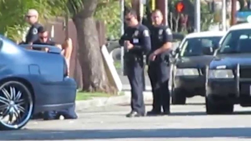 Кепілдікке алынған қыз полицейдің оғынан мерт болды