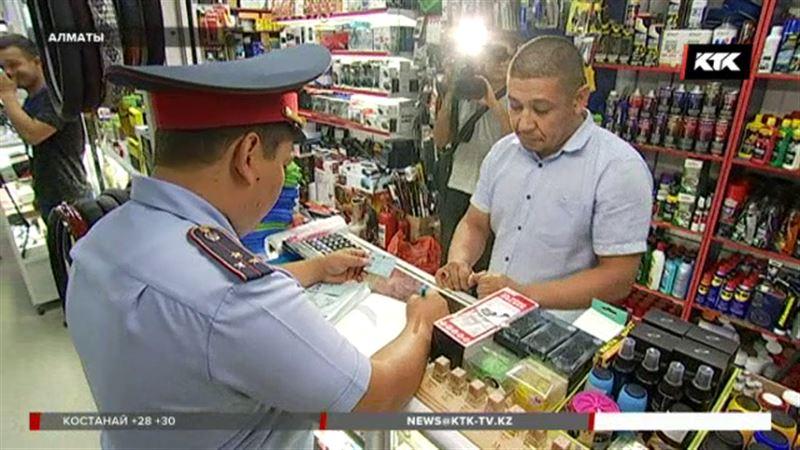 Полицейские Алматы проверяют авторынки