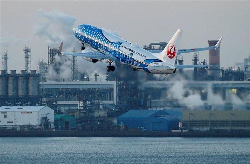 Более 150 рейсов отменили из-за угрозы тайфуна «Джондари» в Японии