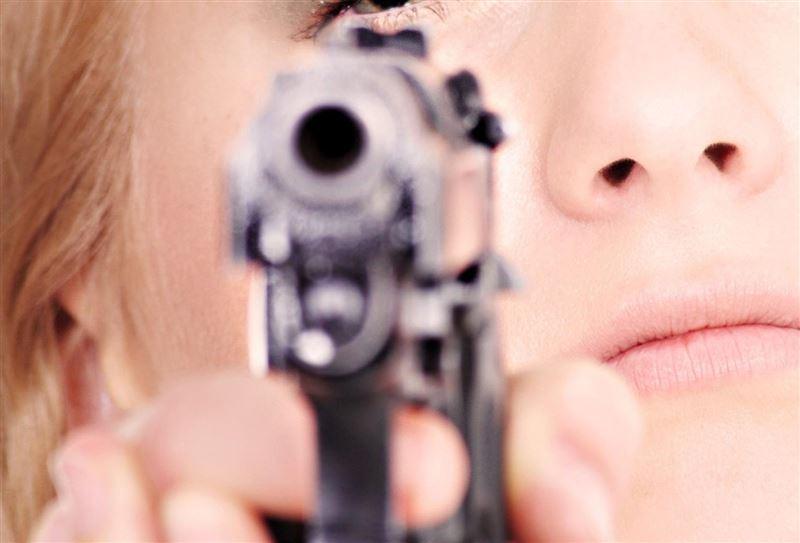 ФОТО: Порно фильмге тапсырыс берген 65 жастағы жұбайын атып өлтірді