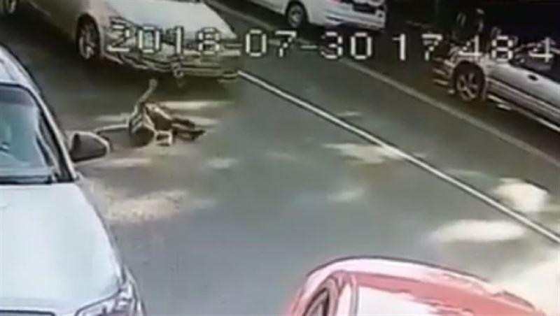 Авария в Алматы: Были сбиты два ребенка