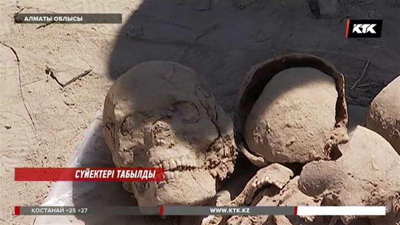 Алматы облысында табылған сүйек Жансүгіровтікі ме? Тұрғындар не дейді?