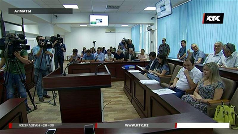 Cудья отклонил ходатайства адвокатов экс-подчиненных Виктора Храпунова