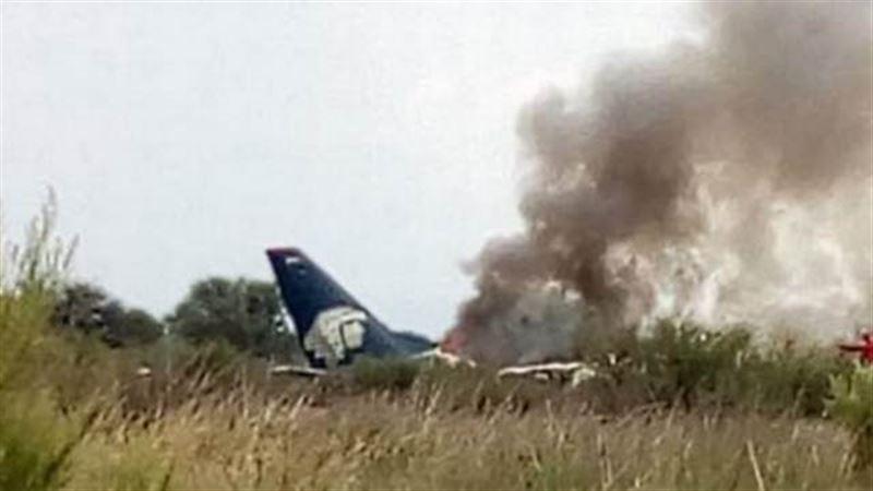 На борту рухнувшего в Мексике самолета находился 101 человек