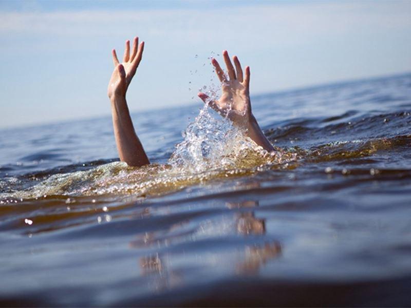 В Павлодарской области едва не утонули четыре подростка, пытавшихся переплыть водоем