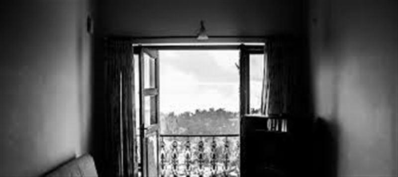 Мәйіттерді үш ай бойы балконда жасырып келген