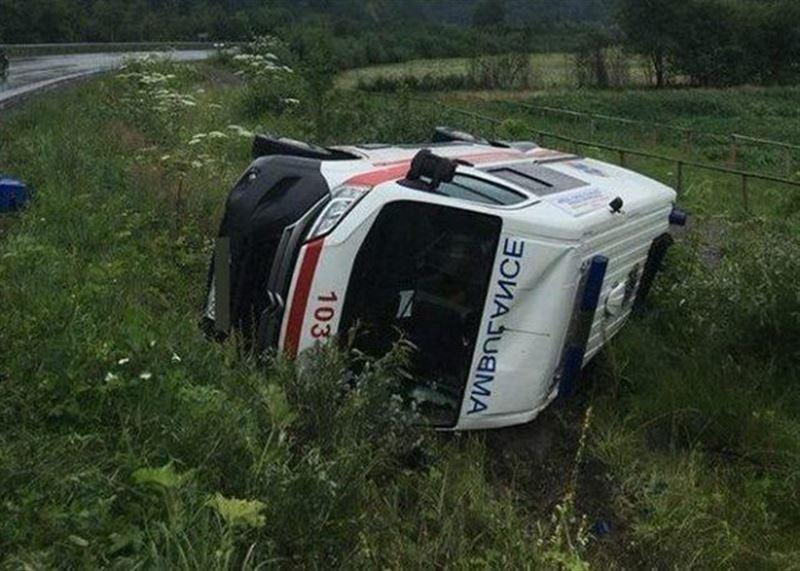 В Костанайской области пьяная женщина-водитель врезалась в скорую, перевозившую ребенка