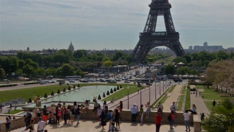 Во Франции ввели штрафы за непристойности в адрес женщин