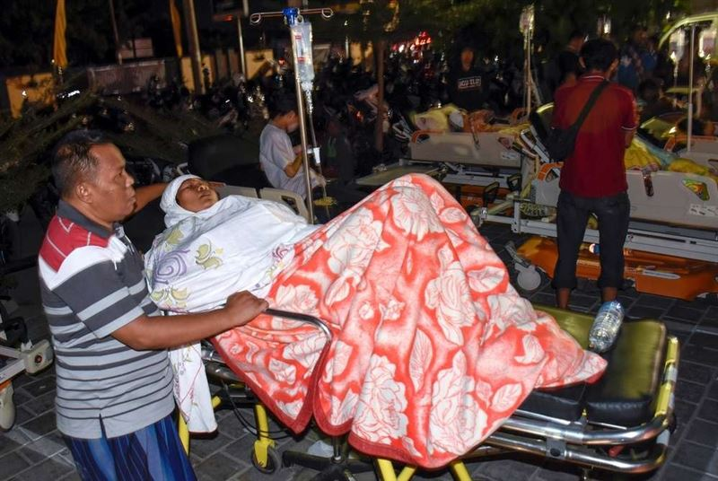 В Индонезии более 80 человек погибли в результате землетрясения