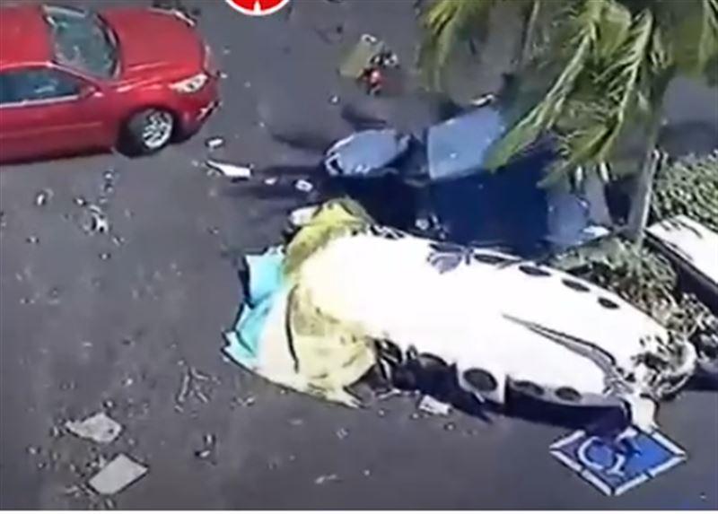 В Сети опубликовано видео с места падения легкомоторного самолета