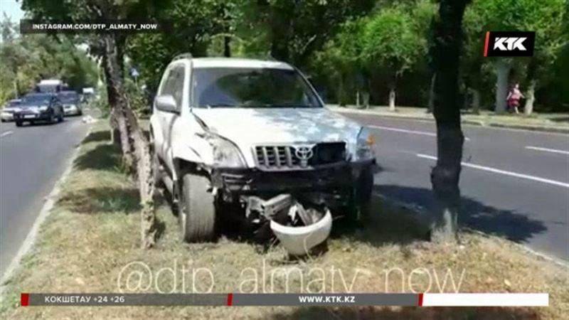 В Алматы внедорожник насмерть сбил пенсионерку на «зебре»