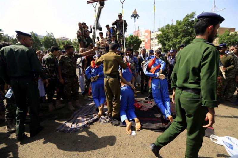 ФОТО (18+): В Йемене публично казнили трех педофилов