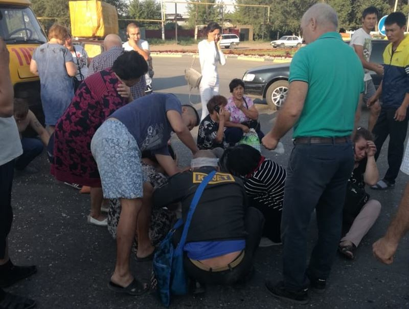 В Уральске перевернулась пассажирская «Газель»