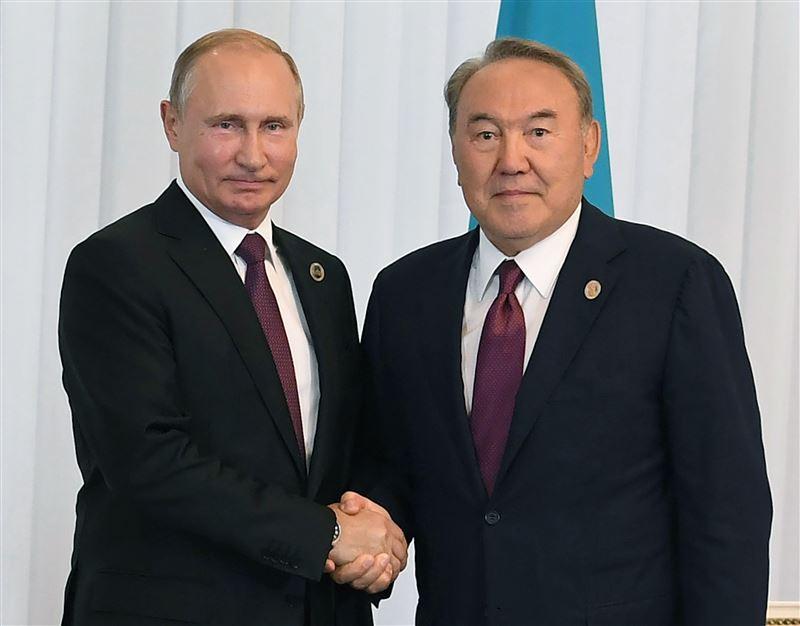 Путин поздравил Назарбаева с результатами работы саммита в Актау