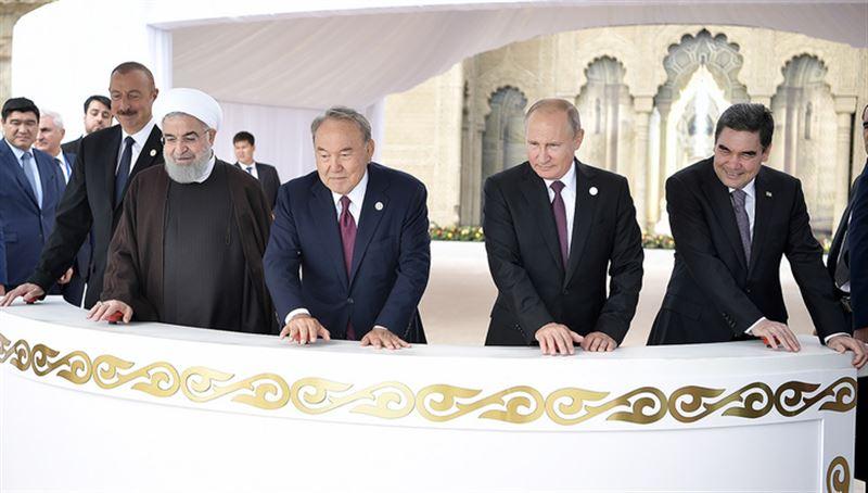 Лидеры «Каспийской пятерки» выпустили в море мальков осетра