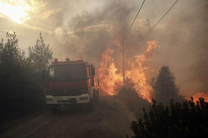Число погибших при пожарах в Греции возросло до 95