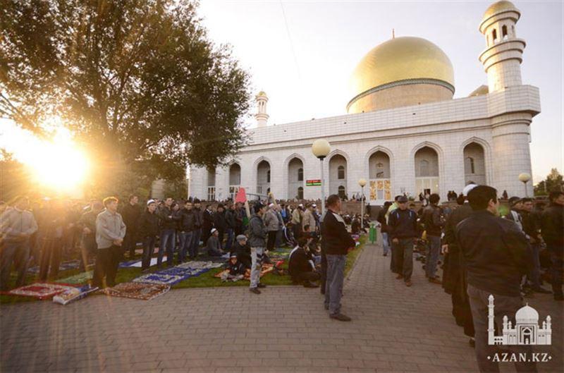 Стало известно начало Курбан-айт намаза в Алматы