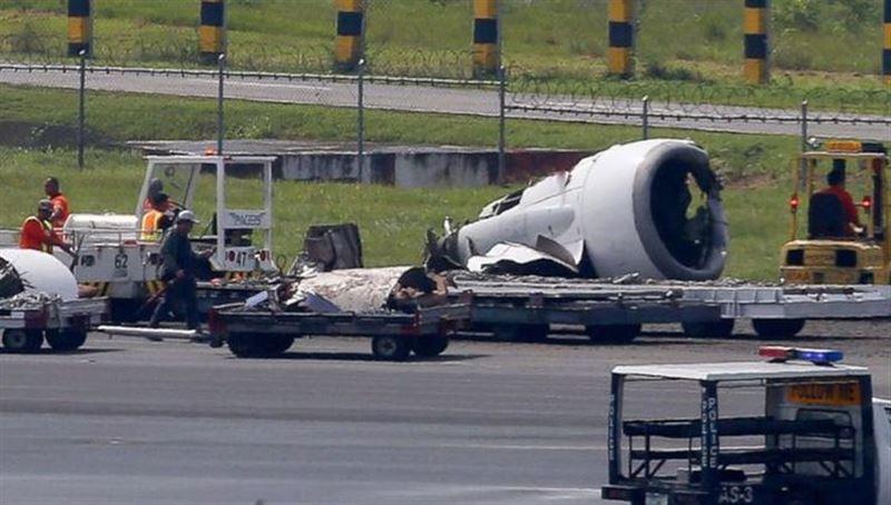 Пассажир снял на видео посадку самолета с оторвавшимся двигателем на Филиппинах