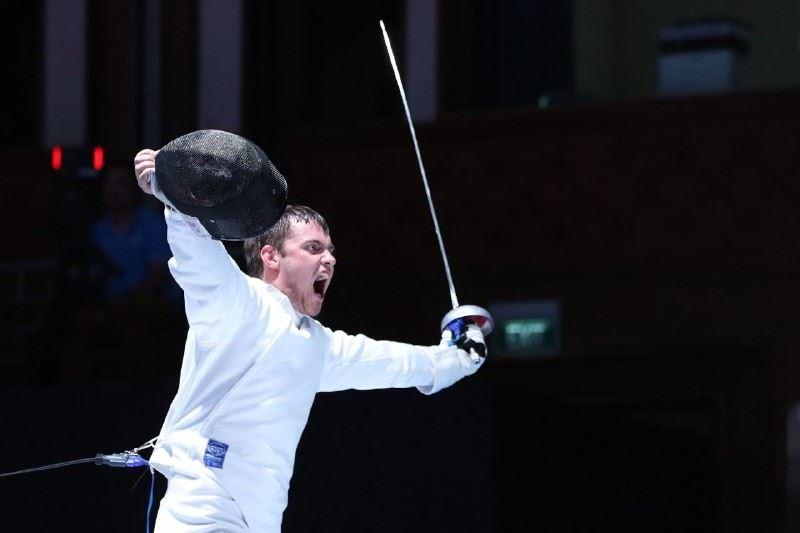 Дмитрий Алексанин завоевал первую золотую медаль для Казахстана на Азиаде-2018