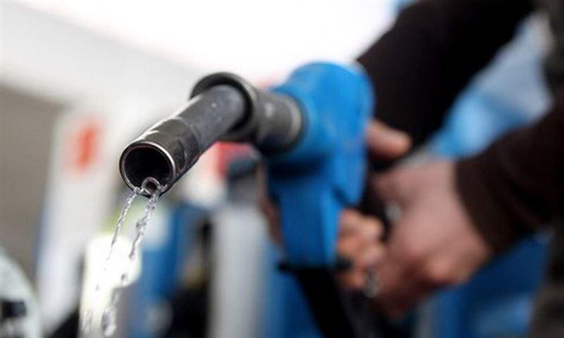 В Казахстан запретили ввозить российский бензин