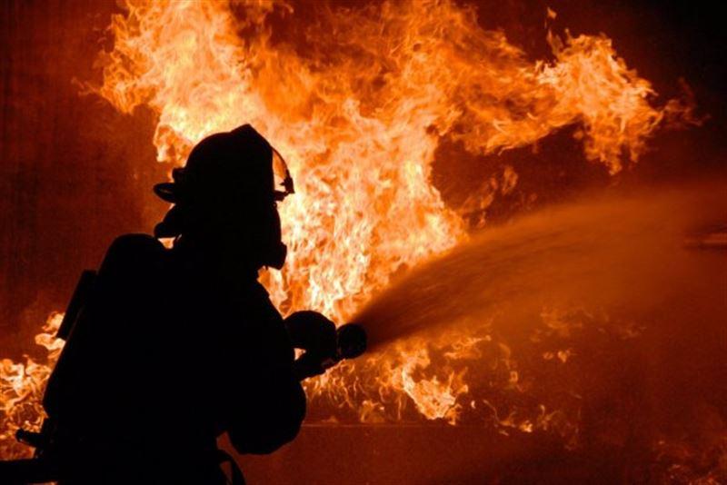 В Мумбаи горит высотка: внутри заблокированы люди, есть погибшие
