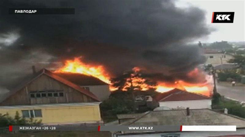 Элитный особняк в Павлодаре не смогли спасти от огня