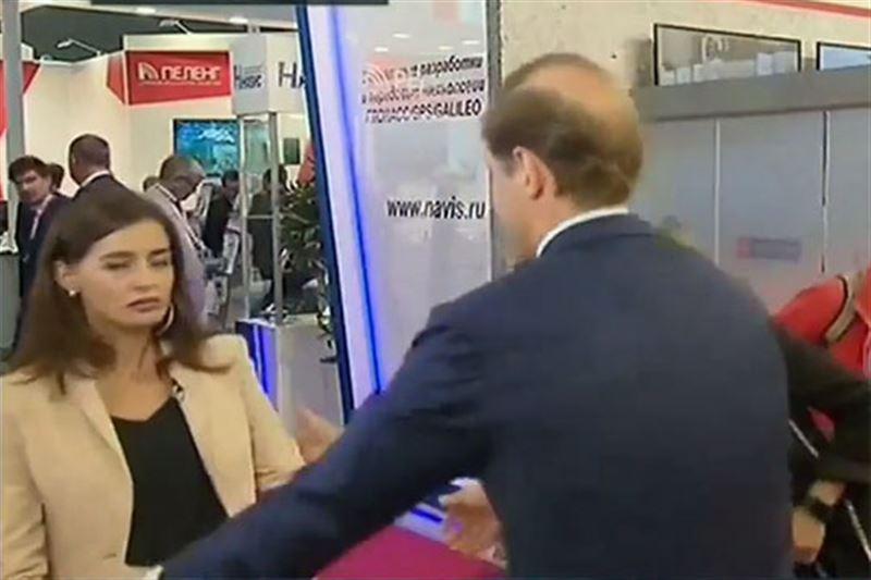 Корреспондентка «России 24» упала в обморок во время интервью в прямом эфире