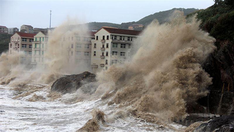 Тайфун салдарынан 6,5 мың үй жарықсыз қалды