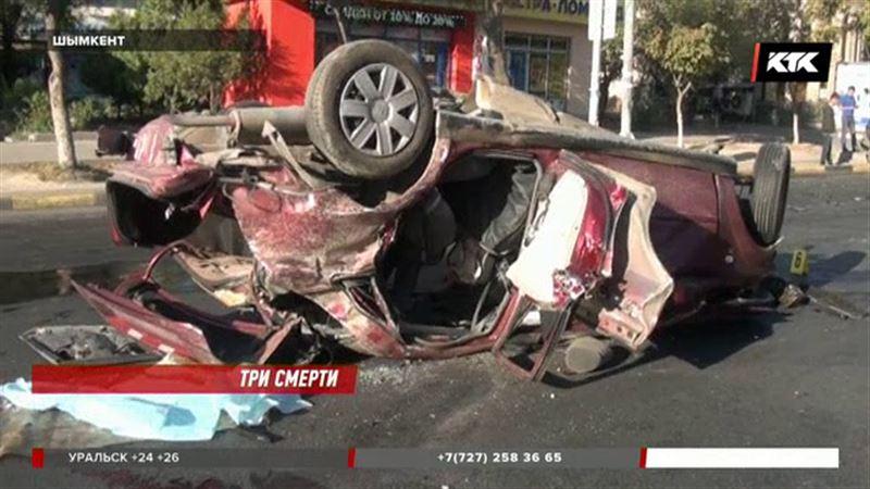 Водитель, насмерть сбивший женщину и ребенка, погиб сам