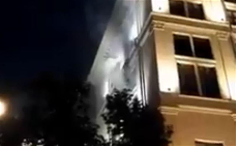 Здание Центробанка в Москве охватило огнем