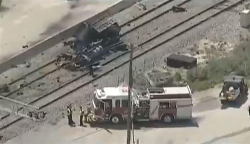 В Техасе поезд снёс мусоровоз, погибло два человека