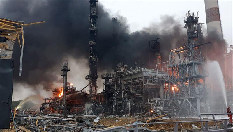 Восемь человек пострадали в результате взрыва на нефтеперерабатывающем заводе в Баварии