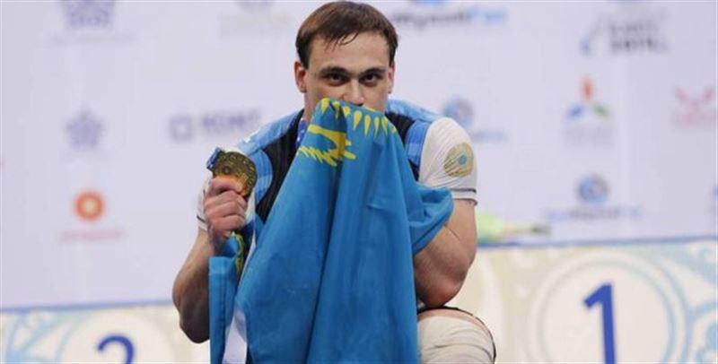 Илья Ильин после дисквалификации впервые вышел на помост