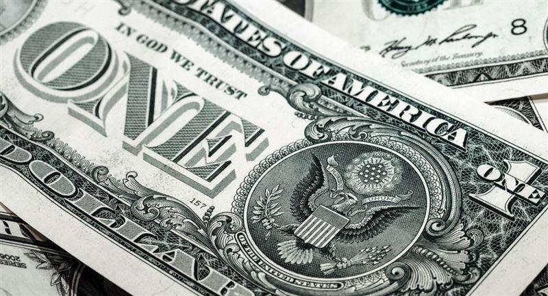 Три причины купить доллары