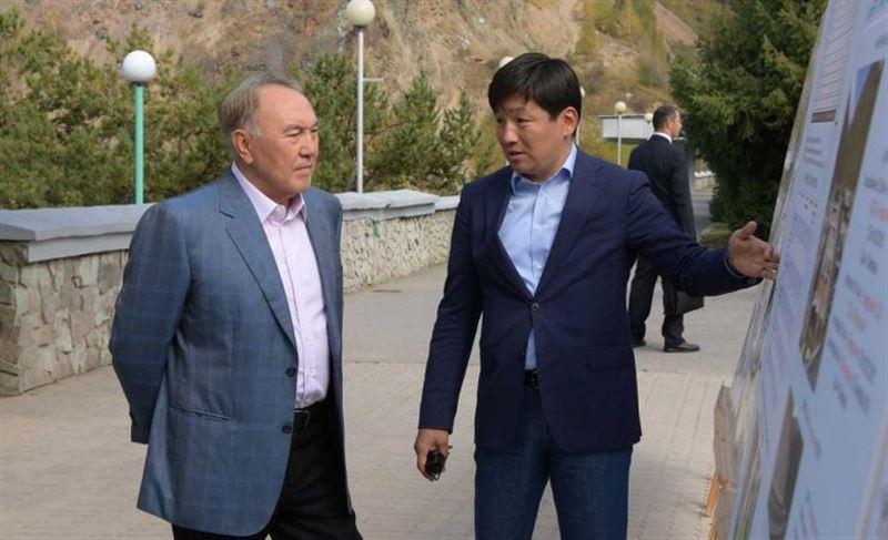 Нурсултан Назарбаев осмотрел реконструированные улицы в Алматы