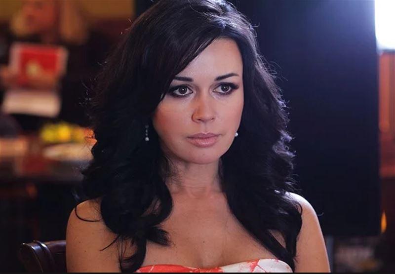 У Анастасии Заворотнюк своровали драгоценности на миллион рублей