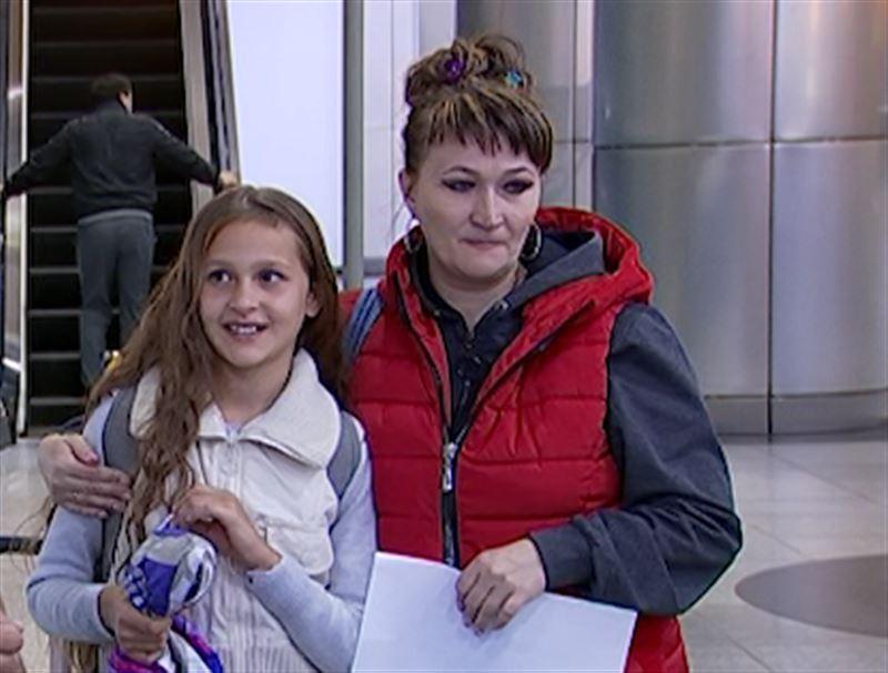 Мать встретилась с дочерью после шестилетней разлуки в Алматы