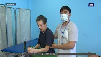Алматинские врачи разыскивают родственников пациентки, потерявшей память после инсульта