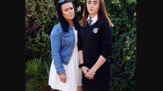 Британскую школьницу шесть раз заставили переодеться из-за юбки