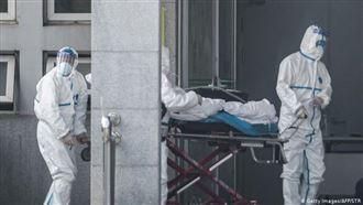 Число погибших от коронавируса в Китае возросло до 9 человек