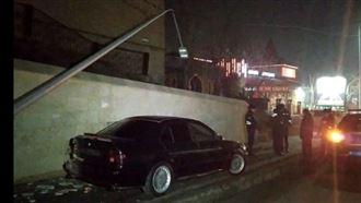 Көлік жуушы клиенттің BMW көлігін рұқсатсыз мініп, быт-шытын шығарды