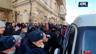 В России задерживают участников акций в поддержку Навального