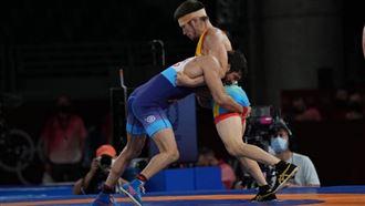 Казахстанский борец проиграл в полуфинале Олимпийских игр